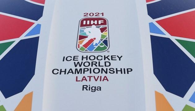Вратарь НХЛ и опытное нападение: Латвия выходит на лед ЧМ-2021