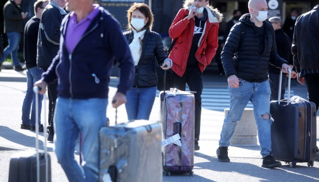 Сегодня хотят облегчить условия поездок для привитых от Covid-19