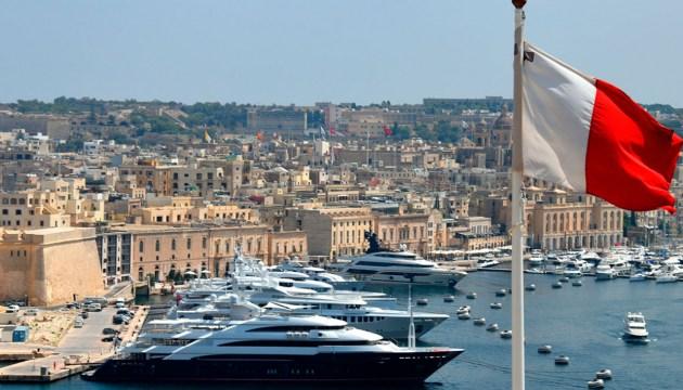 Мальта первой в Европе начнет пускать в страну только привитых от коронавируса