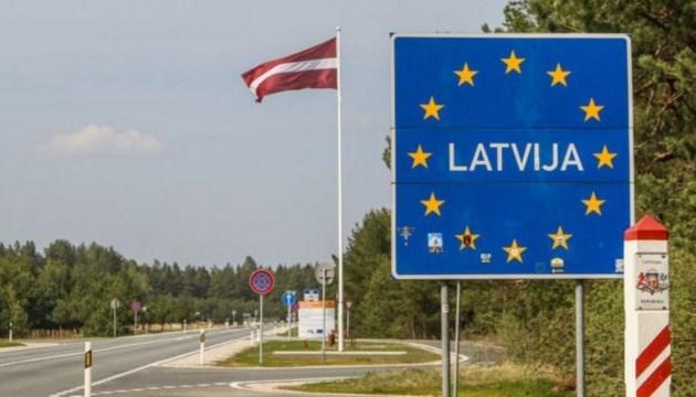 Непривитые могут без самоизоляции приезжать в Латвию из шести стран ЕС и ЕЭЗ