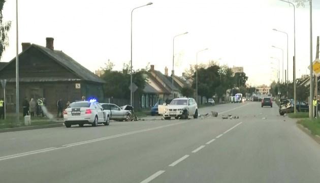 В результате ДТП на ул. Смилшу вчера столкнулись три машины