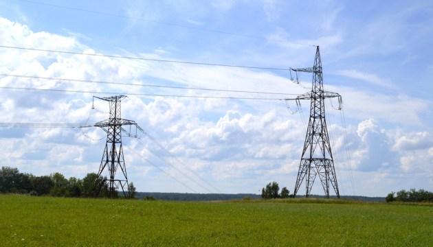 Цена электричества в Латвии побила рекорд. Как в новых условиях платить меньше?