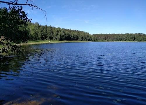 В озере в Краславском крае найдено тело мужчины